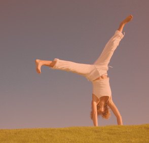 cartwheels-woman-freedom